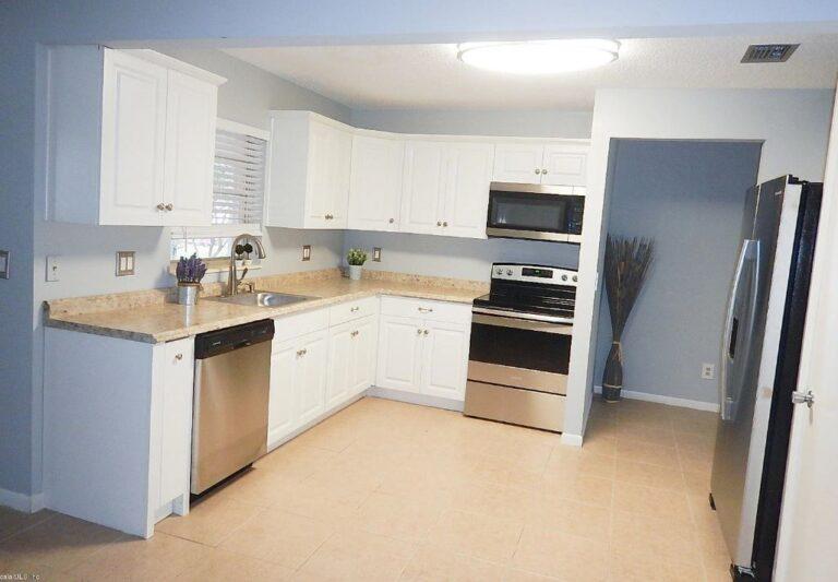 New Kitchen Cabinets